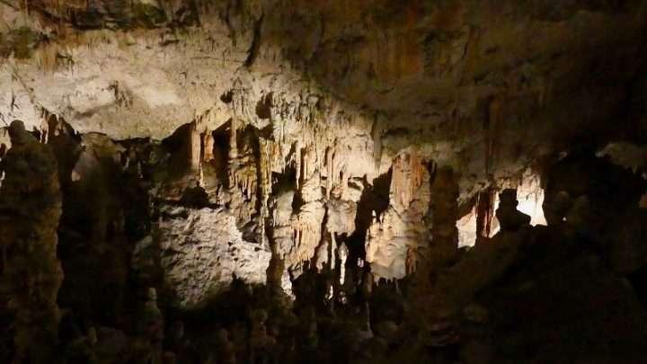 Basta mare o montagna: quest'anno scegli la grotta