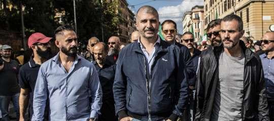 Niente saluti romani da CasaPound, che applaude Berlusconi più di Salvini
