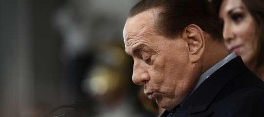 """""""Oggi al governo ci sono 4 partiti che derivano dal comunismo"""", dice Berlusconi"""
