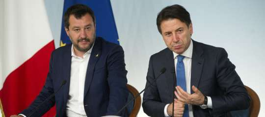 Salvini vede Conte a Palazzo Chigi. Il dilemma: elezioni o rimpasto?
